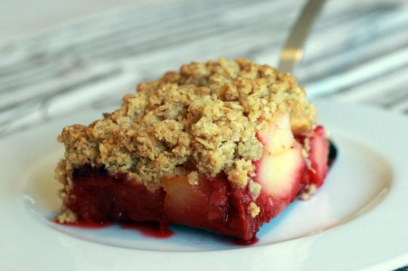 Crumble pomme framboise aux flocons et au son d'avoine