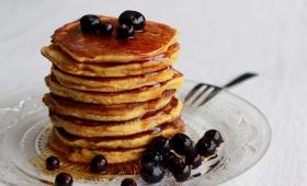 Pancakes {pauvres en glucides, sans gluten & sans lait}
