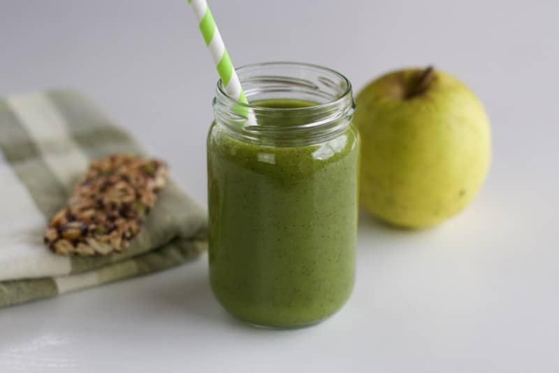 Smoothie vert {kiwi, banane, épinard}