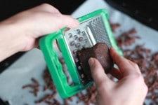 Rapage du streusel pour bûche au chocolat Thermomix