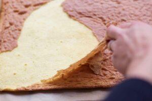 Retrait de la peau du biscuit