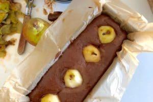 Poires enfoncées dans le cake au chocolat au Thermomix