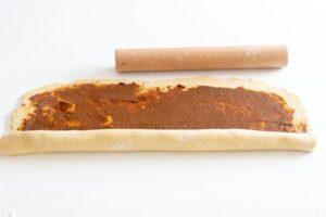 Enroulage de la pâte à kannelbullar au Thermomix