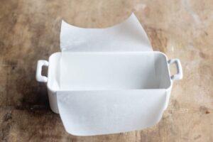 Papier cuisson dans le moule