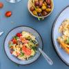 Salade de pâtes au chèvre et poivrons marinés